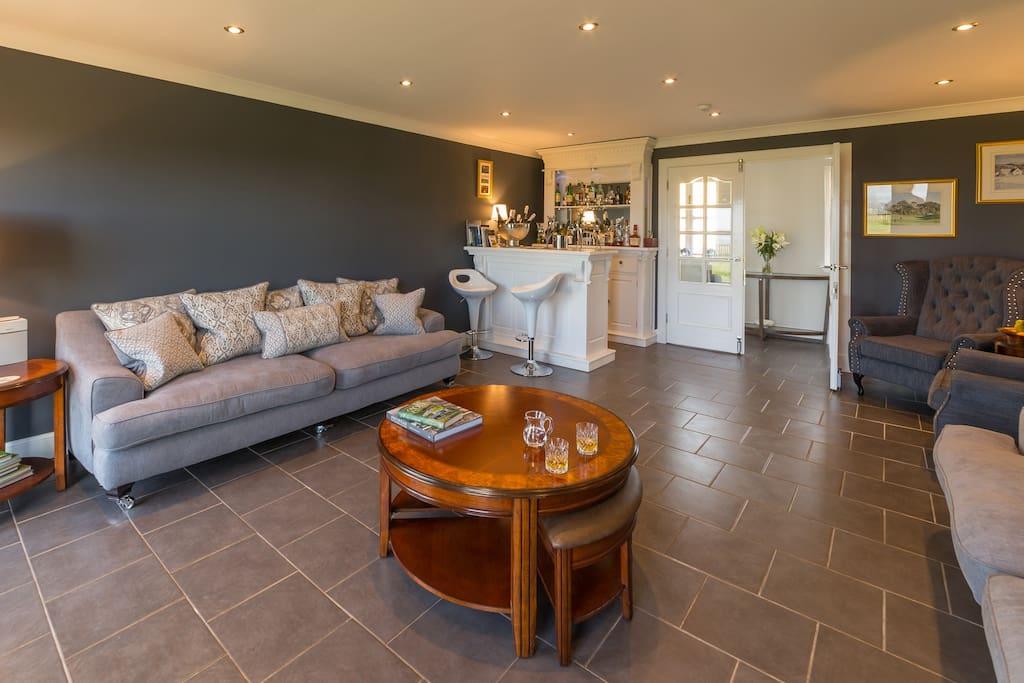 Garleton Lodge - Residents' Lounge & Bar