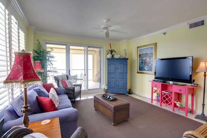 Cozy Living Room with Flat Screen