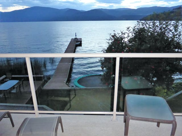 Okanagan Lakefront Holiday Home - Vernon - Ev