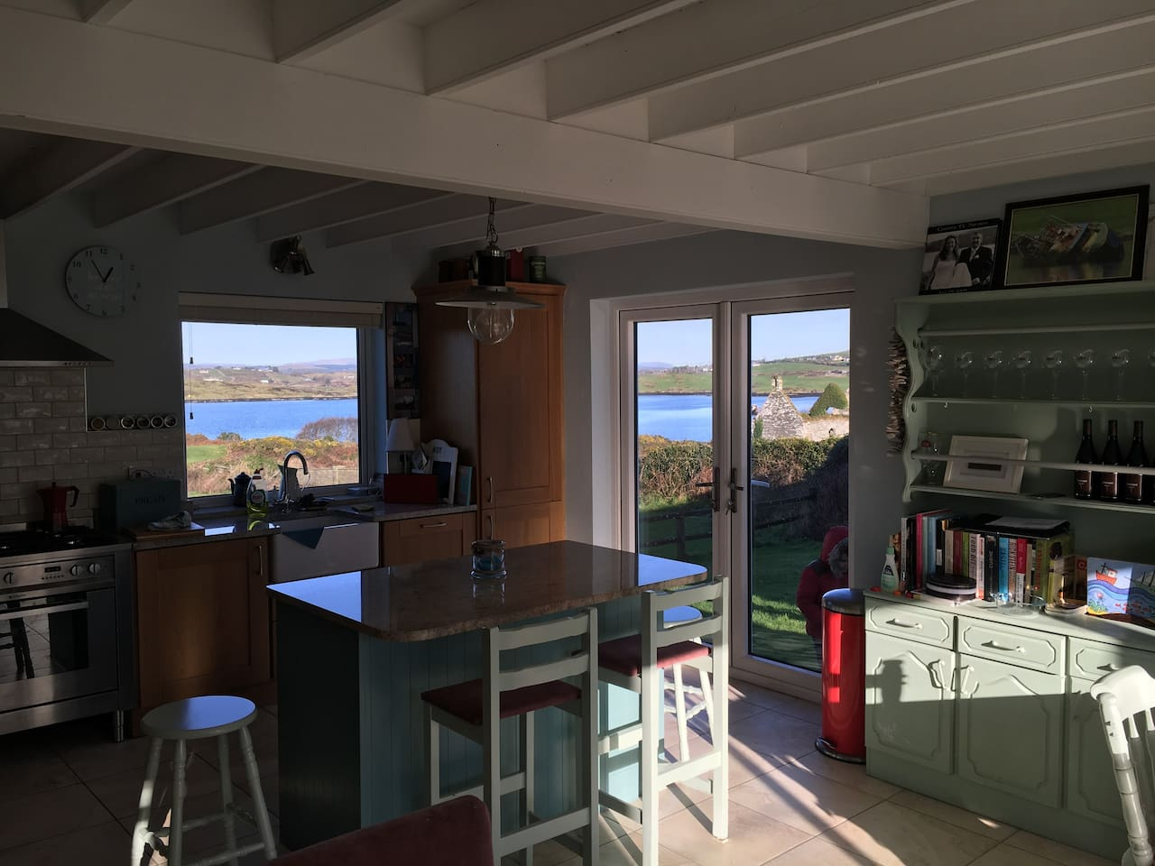 Kitchen with granite counters, stunning views!
