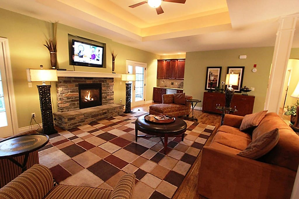 Couch, Furniture, Entertainment Center, Home Theater, Fireplace