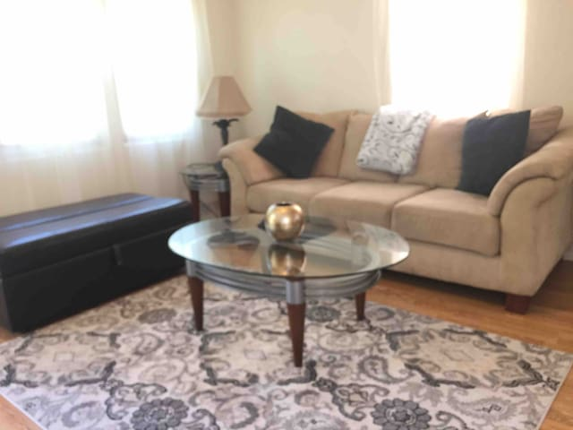 comfortable, specious south park home