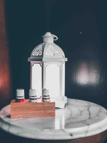 Young Living Diffuser & Essential Oils