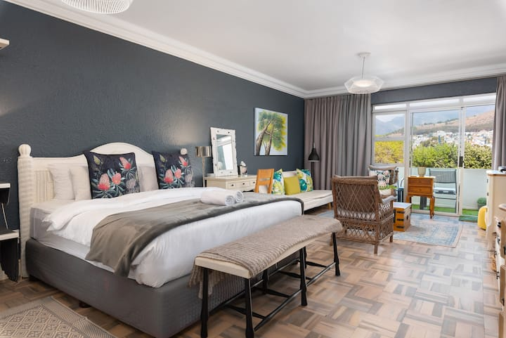 Mouille Point Studio with Breathtaking Views