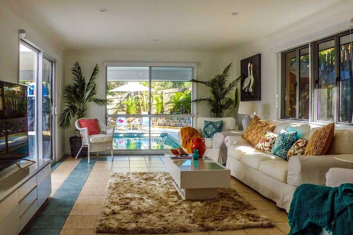 Peregian Beach 2 x Bedroom House Sunshine Coast
