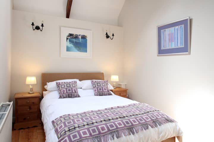 Family Farm Cottage between Narberth & Tenby Coast