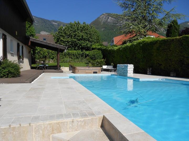 BERNIN Ch au 1er d'une maison avec piscine jacuzzi