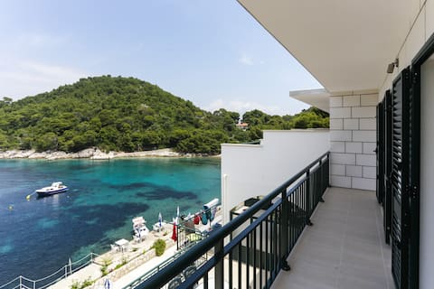 Apartments Posta - Deluxe One-Bedroom Apartment with Balcony and Sea View
