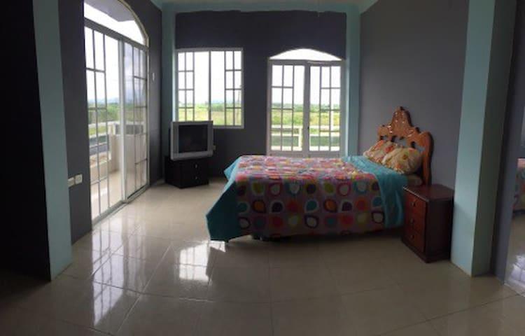 Habitaciones cómodas  y Privadas