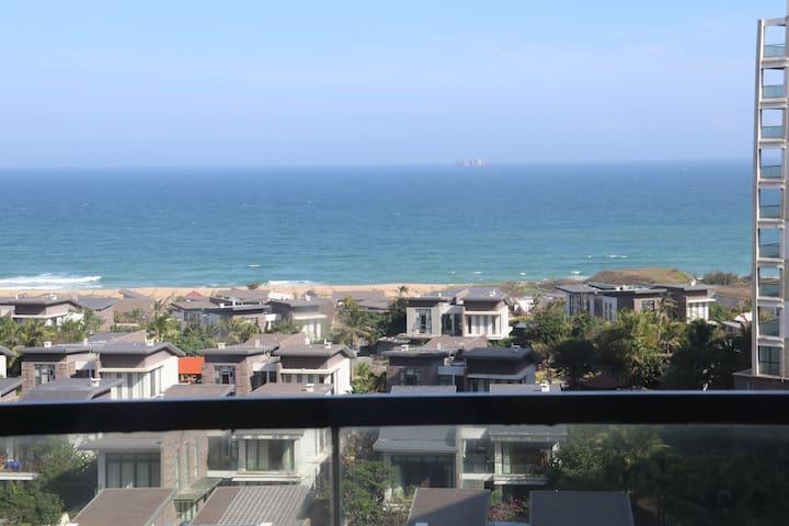 面朝大海背靠青山的一线海景度假房