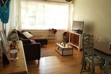 Lovely double room, zone2 Brixton station.