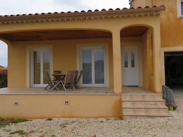 Appartement très agréable - Saint-Théodorit - Ev