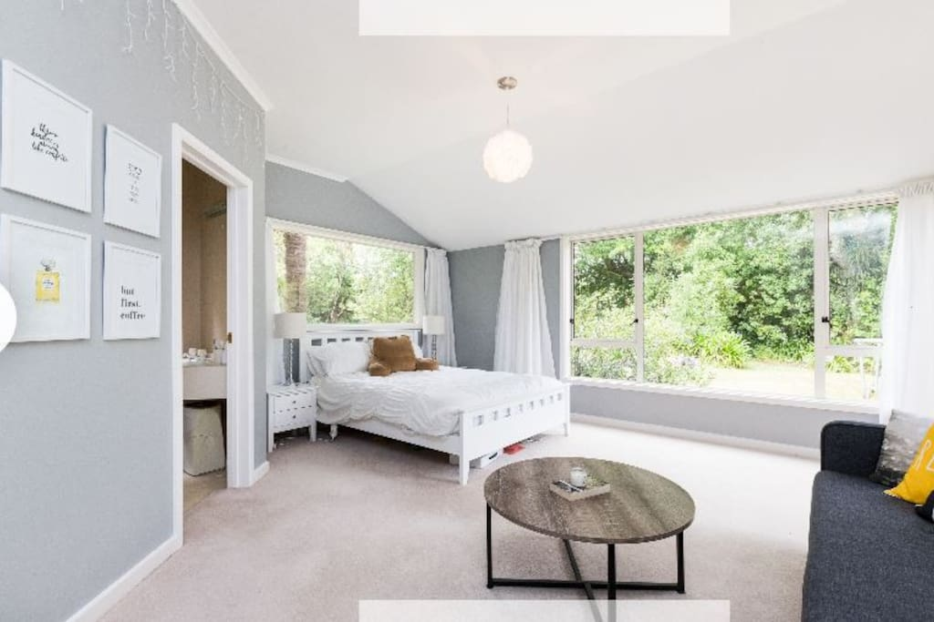Large, peaceful room with en suite and french door to private garden