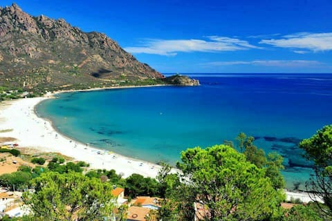 YOUR HOLIDAYS IN SARDINIA. BIKES INCLUDED.