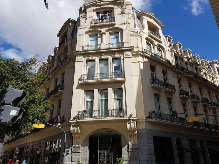 Hermoso departamento en Palacio Raggio