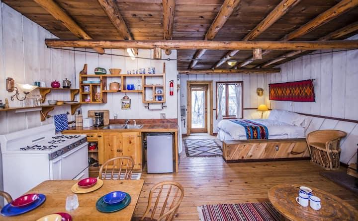 Taos Farm Retreat @ Aldous Huxley Eco Cabin 3-4 pp