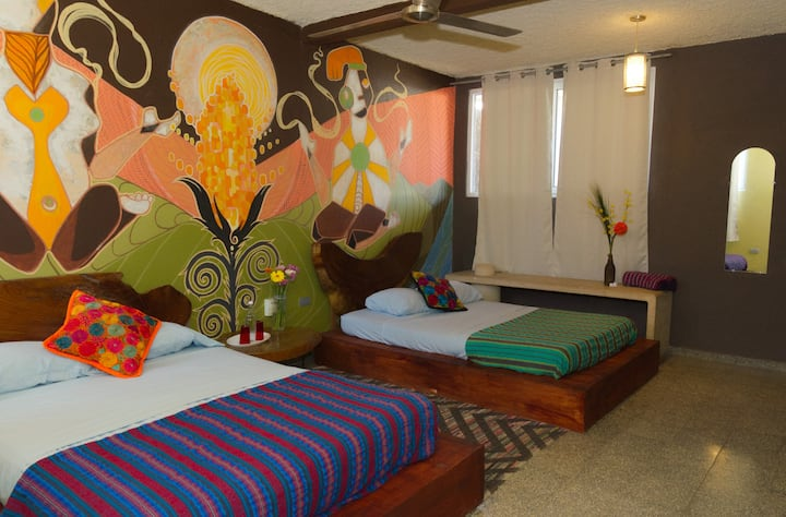 Yum Kax Private Room - La Zona Hostel