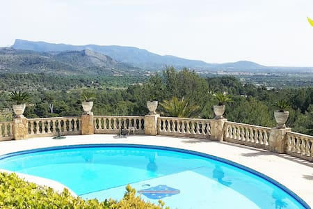 VILLA for your vacations and gateaways - Ses Rotgetes de Canet