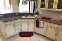 Dual sink and dishwasher.