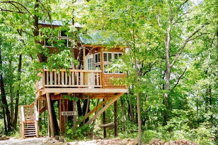 Sunset Tree House - The Cottage