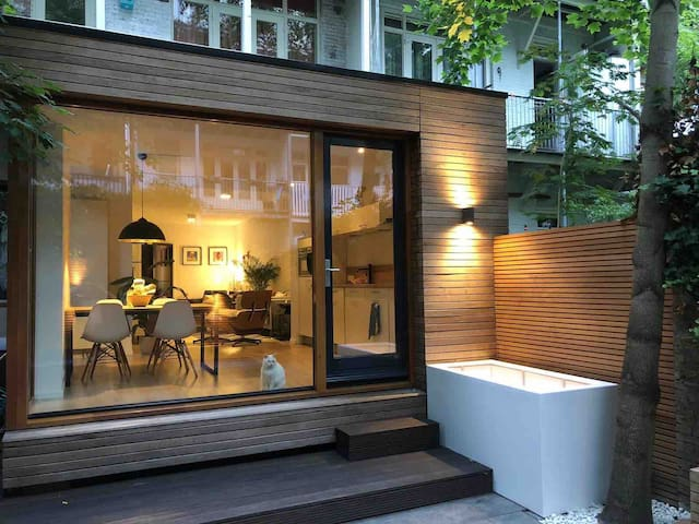 Private Luxury Central Appartment with Garden