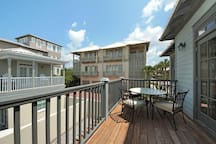 Large Deck with Outdoor Dining
