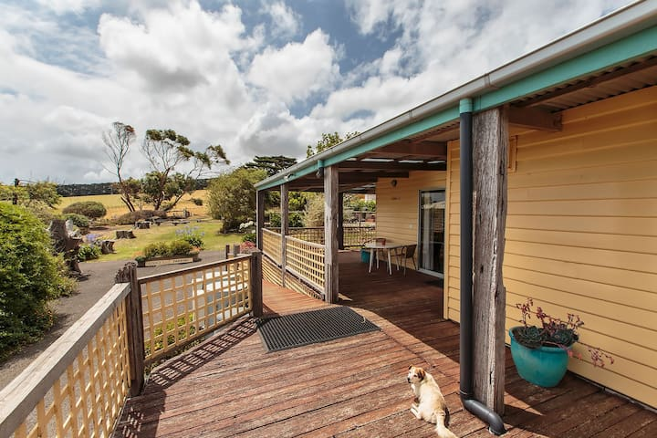 Macka's Farm Lodge 1