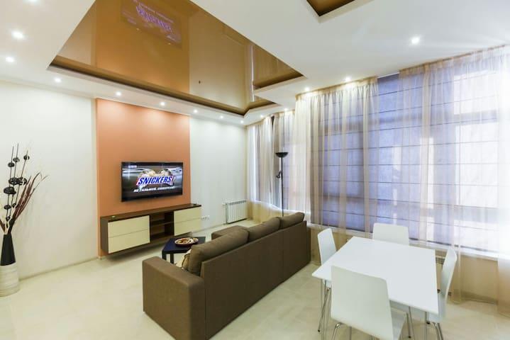 1brm VIP with View new elite Elegant Tower id209 - 基輔 - 公寓