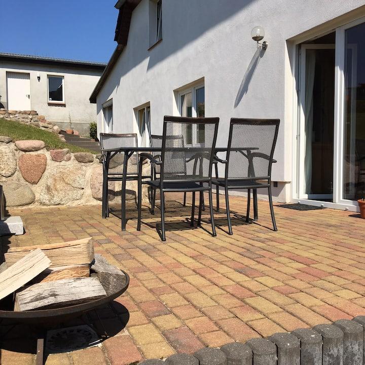 Tolle Ostsee-Fewo mit Terrasse+Kamin, Hundezwinger