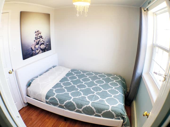 Cozy Bedroom in Sambro (Halifax), close to beaches