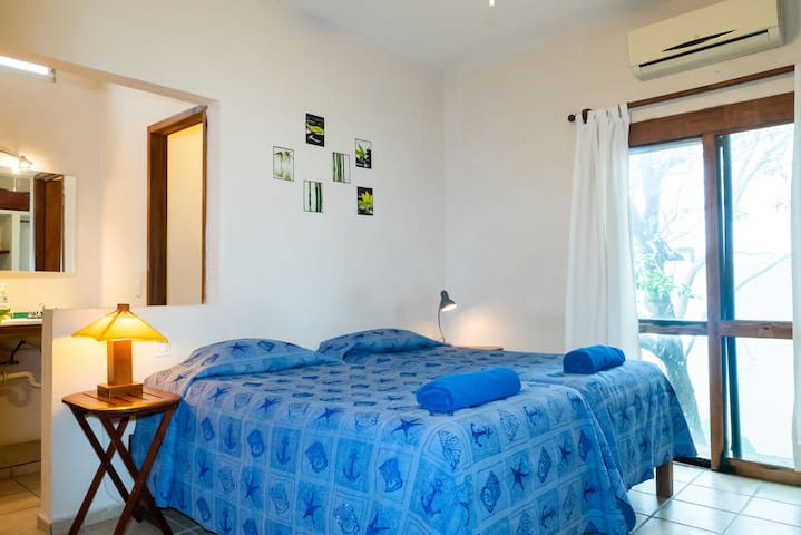 2 Bedrooms for 1 ó 2 people