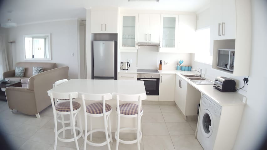 Three Bedroom apartment on Umdloti Beach - Umdloti - Apartment