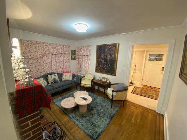 Apartment  in Long Island, Near many colleges,