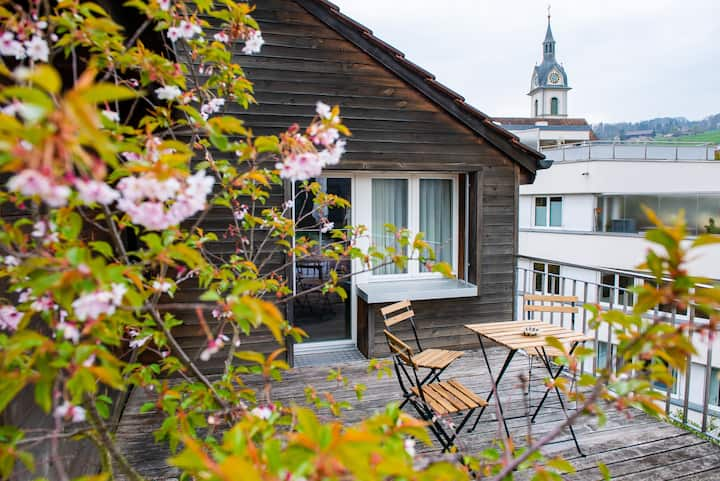 Beautiful romantic and classic room, view to Rigi