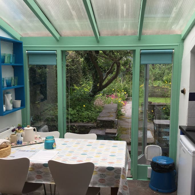 Kitchen / dining, out to garden.