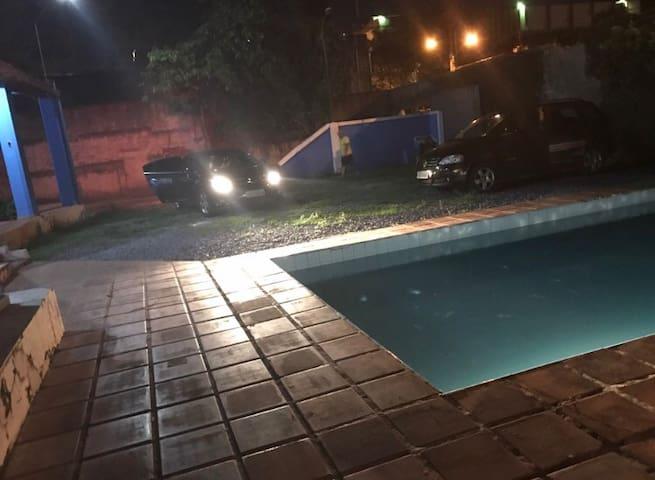 CASA INTEIRA COM PISCINA - Belo Horizonte - House