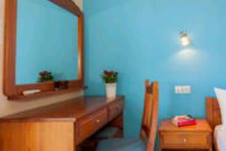 Kiriaki room 5- comfort & quiet