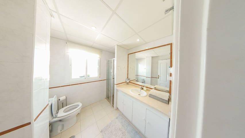 Cozy Single Bedroom in Mijas Costa, Malaga