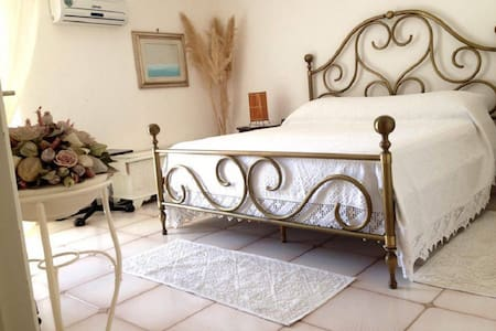 B&B Darsenetta Stanza Pegli - Carloforte - Bed & Breakfast