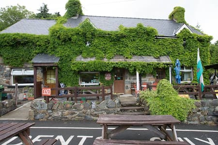 Double Room in Snowdonia with licensed Cafe onsite - Capel Curig - Domek gościnny