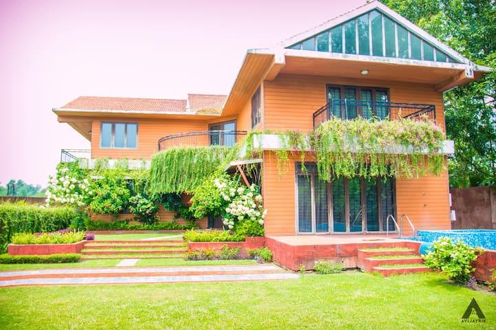 Leisure Villa Rental