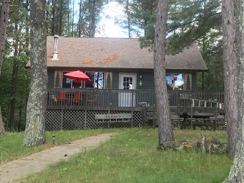 Cottage on Lake Arbutus - Hatfield, WI
