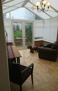 Self contained two bedroom anex - 브리스톨(Bristol) - 아파트