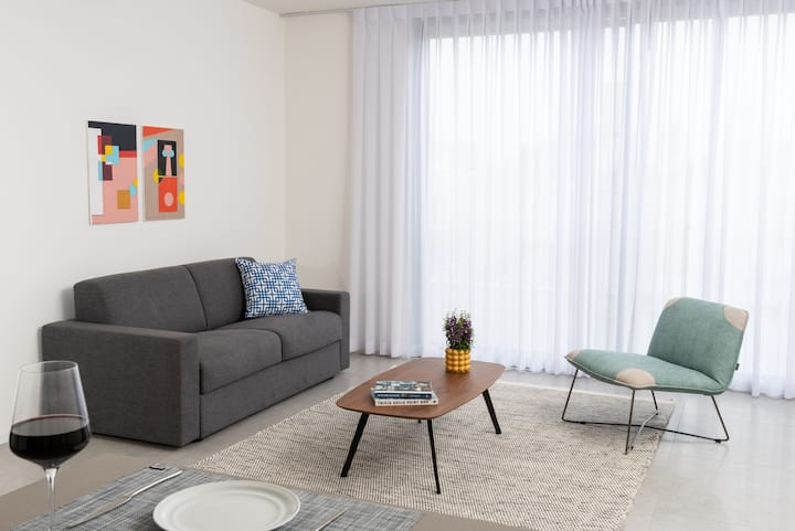 3Bedroom Apartment in Shenkin lead by Master