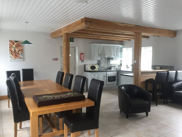 Large apartment in the heart of Doolin village.