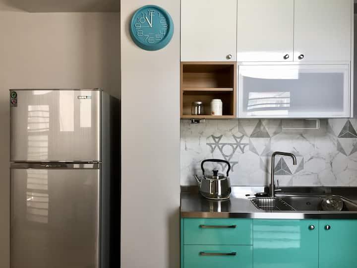 小太陽的家。一次一組客人。獨立廚房。獨立出口。寢具全面更新。