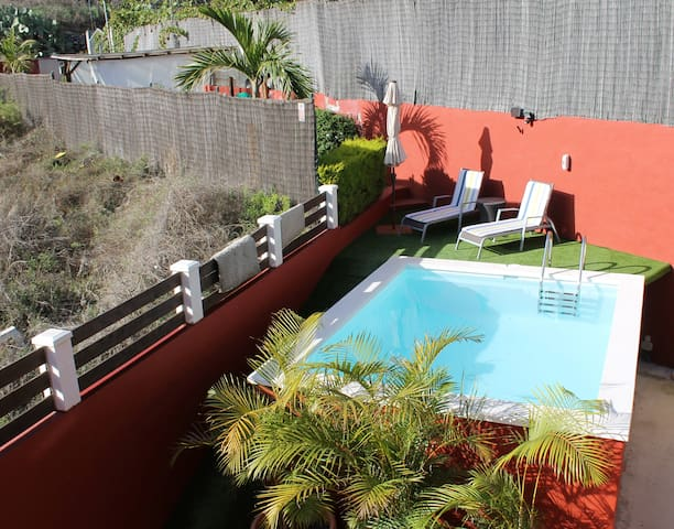 Wooden villa with terrace and swimming pool! - Santa Brígida - Apartamento