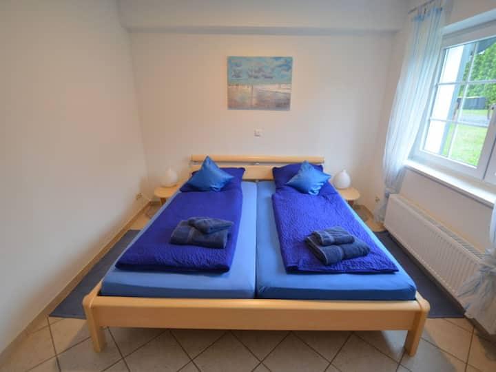 Gaststätte Zur Hahnenquelle, (Kirchhundem), Zweibett-Zimmer, max. 3 Personen