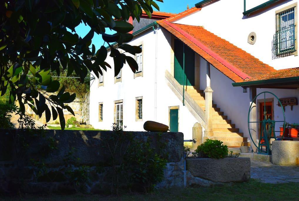 vila do porto buddhist dating site Santa bárbara (portuguese pronunciation: [ˈsɐ̃tɐ ˈbaɾbɐɾɐ]) is a civil parish in the municipality of vila do porto in the portuguese autonomous region of azores the population in 2011 was 405, in an area of 1527 km².