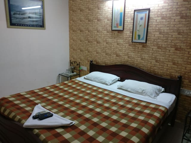Private Room near MG Road(Couple Friendly)